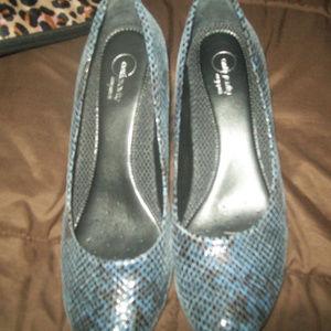 aerology low heels comfot shoes 10m blue snake